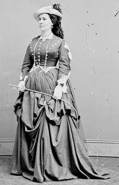 (accidental parallax) Actress Lucille Western? circa 1865