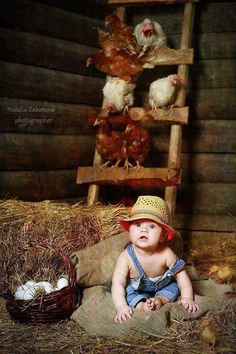 A little farmer in the chicken coop.would love to have elijahs pic like this! Baby Chickens, Chickens Backyard, Animals For Kids, Cute Animals, Cute Kids, Cute Babies, Book Bebe, Chicken Coop Decor, Farm Kids