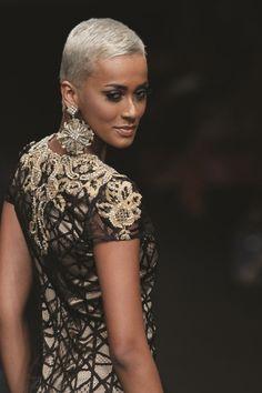 Indonesian model Kimmy Jayanti, Love the striking contrast between her caramel skin and platinum hair.
