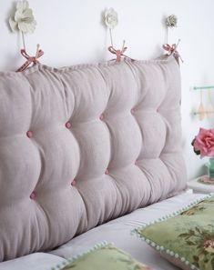 Padded Headboard tutorial (Torie Jayne) DIY - how to make a linen, button-tufted headboard by Torie Homemade Headboards, Cool Headboards, Beds With No Headboards, Padded Headboards, Bed Without Headboard, Bedroom Headboards, Diy Tufted Headboard, Headboard Designs, Headboard Ideas