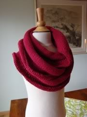 Yet another cowl.  This one's from Spud & Chloe.  I might knit this for my mom.  Shhh ... don't tell her!