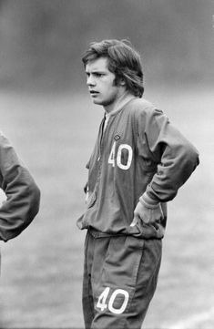 New Chelsea starlet, seventeen year old Ray 'Butch' Wilkins, who made his first team debut last week when he came on as a substitute in the home league win against Norwich City. Get premium, high resolution news photos at Getty Images Retro Football, Chelsea Football, Chelsea Fc, Ray Wilkins, Stock Pictures, Stock Photos, Der Club, Butches, England
