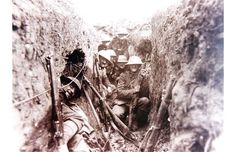 Troops from the Princess Patricia's Canadian Light Infantry attempt to relax in a cramped First World War trench. World War One, First World, Blue Delphinium, Canadian Army, Historical Pictures, First Photo, Old Photos, History, Snipers