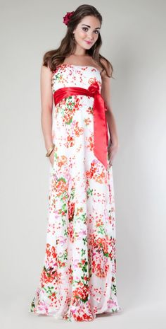 An adorable floral maternity dress for Baby Shower <3