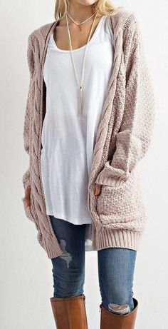 LOVE open over sized sweaters WITH POCKETS This Cable Knit Cardigan Sweater is so on trend this season! This cozy slightly oversized sweater is soft and features an open front with two front pockets. Throw this on over your favoruite shirt and Mode Outfits, Casual Outfits, Fashion Outfits, Womens Fashion, Fashion 2017, Fashion Trends, Cold Weather Outfits Casual, Dressy Attire, Fashion Blouses
