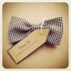 Womens Bow Tie  Handmade Bow Tie  Houndstooth by BeauBowTies, £22.00