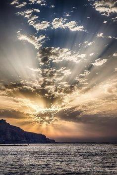 Amanecer en Almería / Sunrise over Almería, by @lagran_escapada