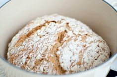 no knead bread Norwegian Food, No Knead Bread, Food Art, Baked Goods, Food And Drink, Yummy Food, Cheese, Norway, Inspiration