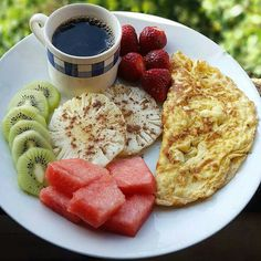 Aesthetic food, healthy drinks, healthy snacks, healthy eating, healthy r. Quick Healthy Breakfast, Health Breakfast, Breakfast Ideas, Good Food, Yummy Food, Health Snacks, Aesthetic Food, Food Videos, Food And Drink