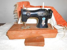 Vintage Holly Hobbie Child's Plastic Sewing Machine 1975 Battery Operated