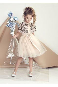 Fashion editorial with kids Wedding flower girl Mariage demoiselle d'honneur inspiration Tutu Du Monde Little Dresses, Little Girl Dresses, Cute Dresses, Girls Dresses, Dresses Dresses, Pageant Dresses, Party Dresses, Dresses Online, Dress Flower