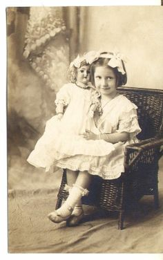 Vintage Picture Postcard LITTLE GIRL WITH ANTIQUE DOLL Walter Studio New York NY