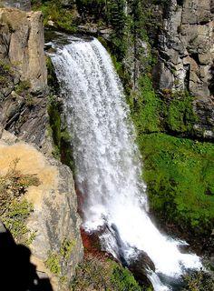 Oregon WaterFall, Tumolo Falls near Bend