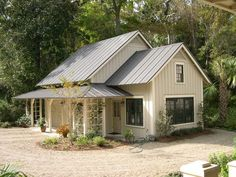Modern farmhouse exterior design reflects the entire style of the space and the tradition as well. Revamping a farmhouse exterior can be very costly most of the time, depending on the chosen design.