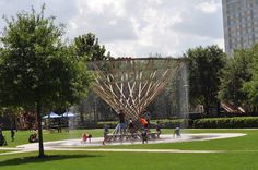 Have a few hours in Houston? Grab supplies at Phoenicia Specialty Foods, have a picnic at Discovery Green, play at the playground, splash in the splashpad and find the secret listening vessels!  Get the details on BigKidSmallCity.com.