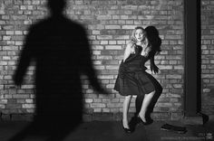 Film Noir - Picture 4 of 5 by mandragor.de, via Fl Film Noir Photography, Image Photography, Photography Music, Classic Film Noir, Classic Films, Music Pictures, Pictures Images, Black White Photos, Black And White