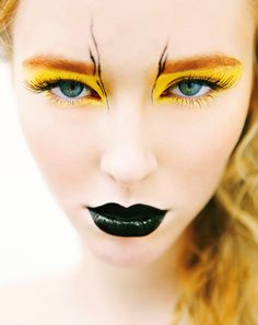 einfaches make up karneval halloween schwarzer lippenstift augen make up gelb simple make up carnival halloween black lipstick eyes make up yellow Bird Makeup, Makeup Art, Beauty Makeup, Makeup Ideas, Makeup Lips, Deer Makeup, Maquillage Halloween Simple, Yellow Makeup, Black Lipstick