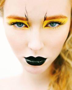 Si avvicina halloween così ho trovato questa!!! Bellissimo trucco! Ma il giallo dove lo trovo?