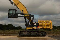 #Cat® MH3295 #MaterialHandler Features High-Strength Structures, Enhanced Serviceability, U.S. EPA Tier 4 Final/EU Stage IV Engine and World Class Safety Features   Rock & Dirt Blog Construction Equipment News & Information
