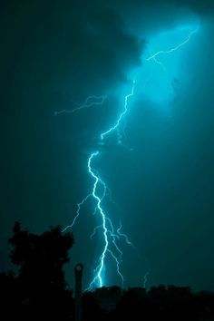 Dark Green Aesthetic, Aesthetic Colors, Aesthetic Collage, Aesthetic Photo, Aesthetic Pictures, Aesthetic Light, Turquoise Wallpaper, Blue Wallpaper Iphone, Blue Wallpapers