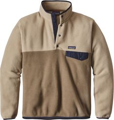 The iconic Patagonia fleece is back again and better than ever. The Patagonia Lightweight Synchilla Snap-T Fleece features an weight of polyester double-sided fleece that feels soft to the touch while keeping you nice and cozy. Patagonia Pullover Mens, Patagonia Fleece, Patagonia Jacket, Outdoor Outfit, Menswear, Mens Fashion, Fashion Trends, Mens Tops, Jackets