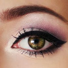 Calling all brown, green and hazel eyed girls! This soft lilac cat eye is the perfect look for you.