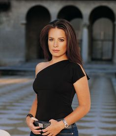 Holly Marie Combs - Charmed, Pretty Little Liars