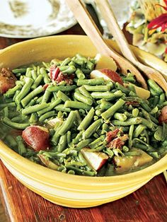 Green beans with red potatoes- paula deen veggie side dishes, vegetable dis Healthy Recipes, Bean Recipes, Side Dish Recipes, Vegetable Recipes, Cooking Recipes, Healthy Snacks, Dinner Recipes, Nutrition, Vegetable Side Dishes