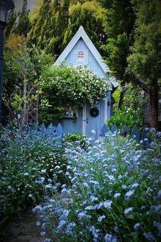 Cottage Garden Sheds, Small Cottage Garden Ideas, Cottage Garden Plants, Cottage Gardens, Backyard Garden Design, Backyard Fences, Backyard Landscaping, Backyard Cabin, Landscaping Ideas