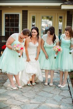Bridesmaids in Pretty Mint Dresses|{Pink, Mint & Coral}French River Wedding|Photographer:  Caroline Ross Photography