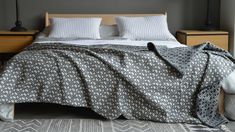 Fleecy Blanket in Ivory & Charcoal | Natural Bed Company Monochrome Bedroom, Bedroom Black, Bed Company, Contemporary Design, Cosy, Comforters, Charcoal, Lounge, Blanket