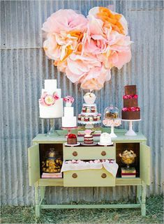Need some decor ideas for that next party! these 10 Tissue Paper Crafts are super cute! Use them as party decor or to decorate a nursery or bedroom. Dessert Bar Wedding, Wedding Desserts, Wedding Decorations, Wedding Ideas, Backdrop Wedding, Wedding Candy, Wedding Paper, Rustic Wedding, Wedding Planning