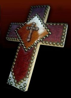 Marie --- Western Decor by Signature Cowboy. Cross with leather and nailhead trim. Wooden Crosses, Crosses Decor, Wall Crosses, Western Crafts, Western Decor, Cowboy Western, Wood Crafts, Diy Crafts, Cross Wall Decor