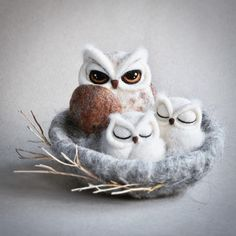 OWL NEST - needle felted sculpture. #wildlife #felting #needlefelting #birdlovers #bird #owl #owllove #owlnest #mother #motherhood #baby #babyowl #hornedowl #cambridge #cambridgeuk #cambridgemade #cambridgetown #etsy #etsyshop #etsyseller #handmade #art #textileart #fibresculpture #fibreart #filc #owlfamily #mothersday