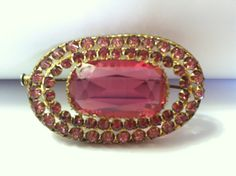 Vintage 1960s Pink Stone Gold Tone Brooch.