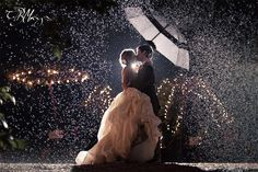 Rain Wedding Day #wedding #photography I dont want it to rain but thats a beautiful pic