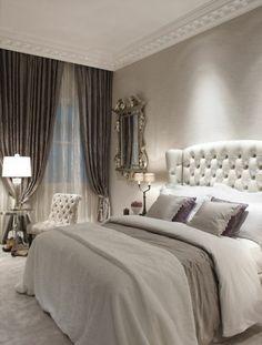 ambiance baroque dans la chambre a coucher avec lit captionné