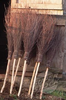 A besom, or witches broom, is an essential magical tool. They are used to cleanse and purify a space either on or around your altar or any area of your home. A besom is seen as a symbol of fertility a Halloween Prop, Halloween Projects, Holidays Halloween, Happy Halloween, Halloween Quotes, Halloween Witches, Halloween Table, Halloween 2016, Spooky Halloween
