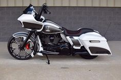 A brand new 2017 Harley-Davidson Road Glide Special customiz.- A brand new 2017 Harley-Davidson Road Glide Special customized by BX Custom Designs - Harley Davidson Street Glide, Harley Road Glide, Harley Davidson Custom Bike, Harley Davidson Museum, Motos Harley Davidson, Custom Baggers, Custom Harleys, Custom Bikes, Custom Cycles