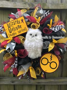 Wizards Welcome!, DIY and Crafts, Harry Potter wreath! Wizards Welcome! Baby Harry Potter, Deco Noel Harry Potter, Harry Potter Thema, Classe Harry Potter, Harry Potter Classroom, Theme Harry Potter, Harry Potter Bedroom, Harry Potter Baby Shower, Harry Potter Birthday