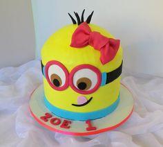 https://flic.kr/p/vhVKn1 | Girls 1st Minion birthday cake | Design was brought in by client.