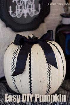 DIY Fall Decor : DIY washi tape pumpkin super easy: DIY Halloween Pumpkin Decorations