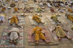 Die Savasana, auch Totenstellung genannt, ist eine Asana im Hatha Yoga
