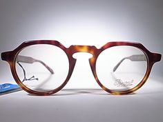 http://www.initialmsunglasses.com/M_VINTAGE_SUNGLASSES_COLLECTIONS/PERSOL_RATTI_901_3.html   Persol ratti 901   This is one of beautifu...