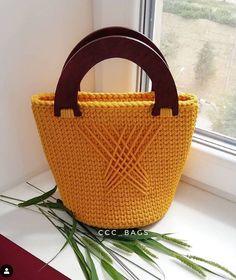 ( Backpack and Handbag Designs) Free Crochet Bag, Crochet Tote, Crochet Handbags, Love Crochet, Crochet Crafts, Crochet Basket Pattern, Crochet Bookmarks, Crochet World, Easter Crochet