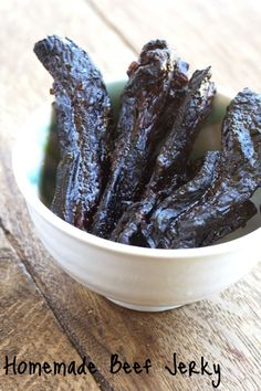Homemade beef jerky; I think I may need to try this out on the hubs for Father's Day...?