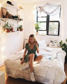 "1,902 Likes, 15 Comments - Viktoria Dahlberg (@viktoria.dahlberg) on Instagram: ""Good morning Sunshine ☀️ #love #uohome #interior #uoonyou #nyc"""