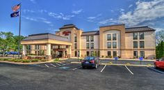 Hampton Inn Pittsburgh/West Mifflin Pittsburgh Located 11 miles from Pittsburgh city centre, this hotel features an outdoor swimming pool and daily hot breakfast. Mount Washington is 8 miles away.