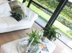 Nuttige tips voor het kopen van een bank Accent Chairs, Furniture, Home Decor, Upholstered Chairs, Decoration Home, Room Decor, Home Furnishings, Home Interior Design, Home Decoration