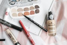 Shop our range of Make Up at wilko - where we offer a variety of home and leisure goods at amazing prices. Party Bags, Party Gifts, Bin Bag, Stationery Craft, Garden Pictures, Business For Kids, Health And Wellbeing, Travel Essentials, Are You Happy